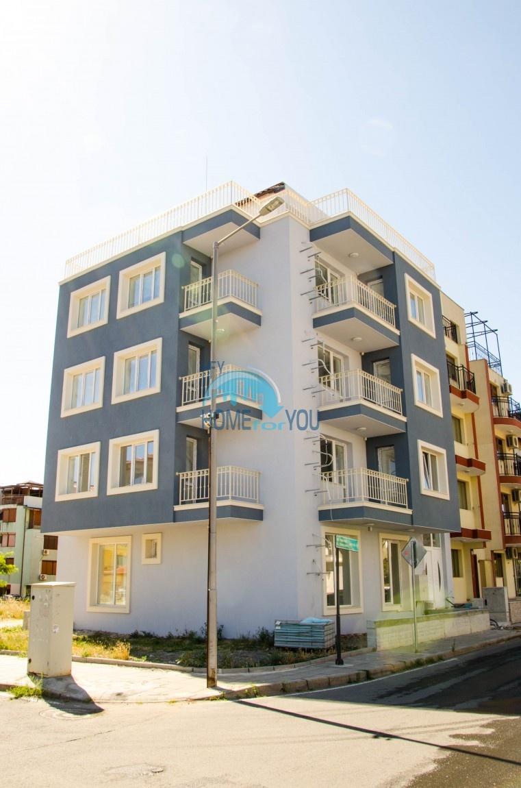 Несебр, район ,,Черное море''. Трехкомнатная квартира на продажу в новом здании