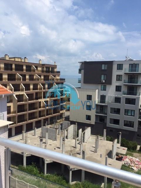 Поморие. Большая двухкомнатная квартира - 76 кв.м. с видом на море
