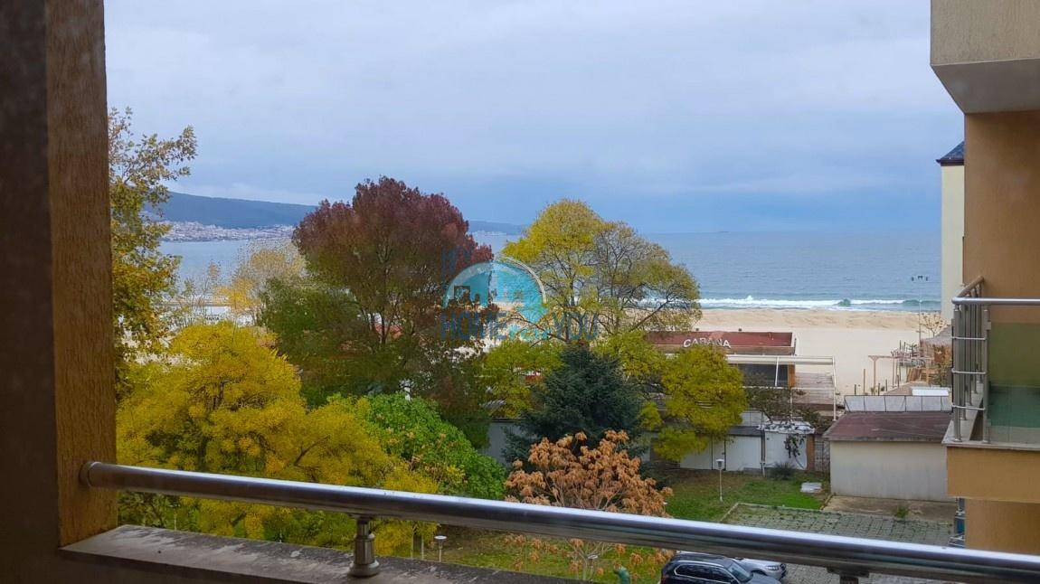 Солнечный берег, комплекс ,,Кай''. Большая двухкомнатная квартира. Вид на море! Первая линия!