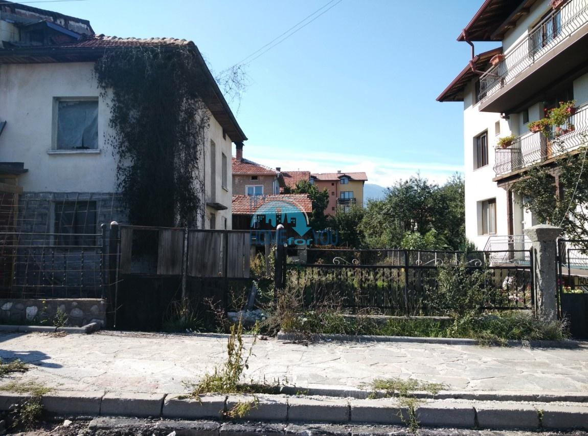 Частный дом в центре Банско. Двухэтажный 95 кв.м со своим земельным участком 348 кв.м