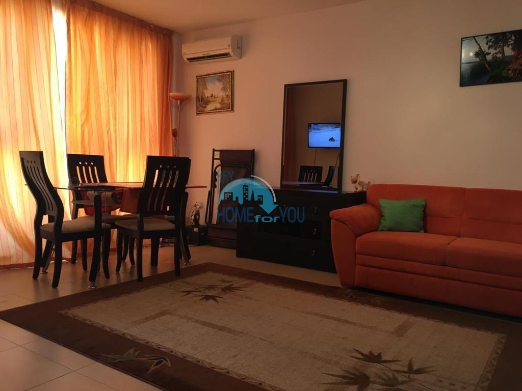 Поморие, просторная 43 кв.м квартира-студия с мебелью в жилом доме