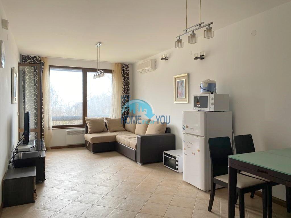Комфортабельная двухкомнатная квартира 68 кв.м с частичным видом на море в
