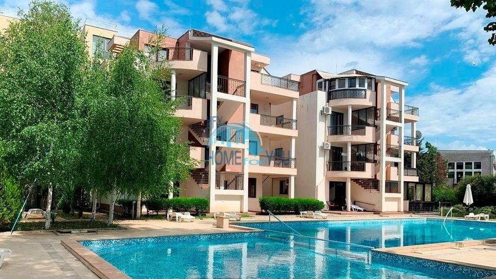 Солнечный берег, комплекс ,,Тонис хаус''. Меблированная трехкомнатная квартира