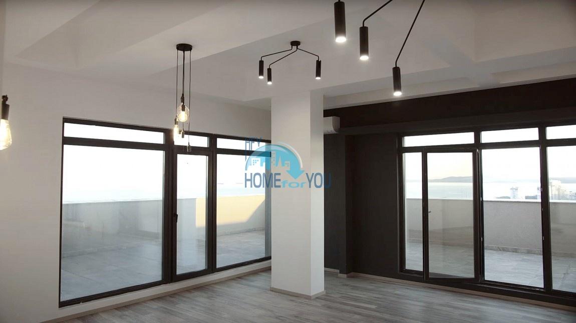 Гледка към морето в Бургас. Луксозен просторен пентхаус 323 кв.м в елитния комплекса