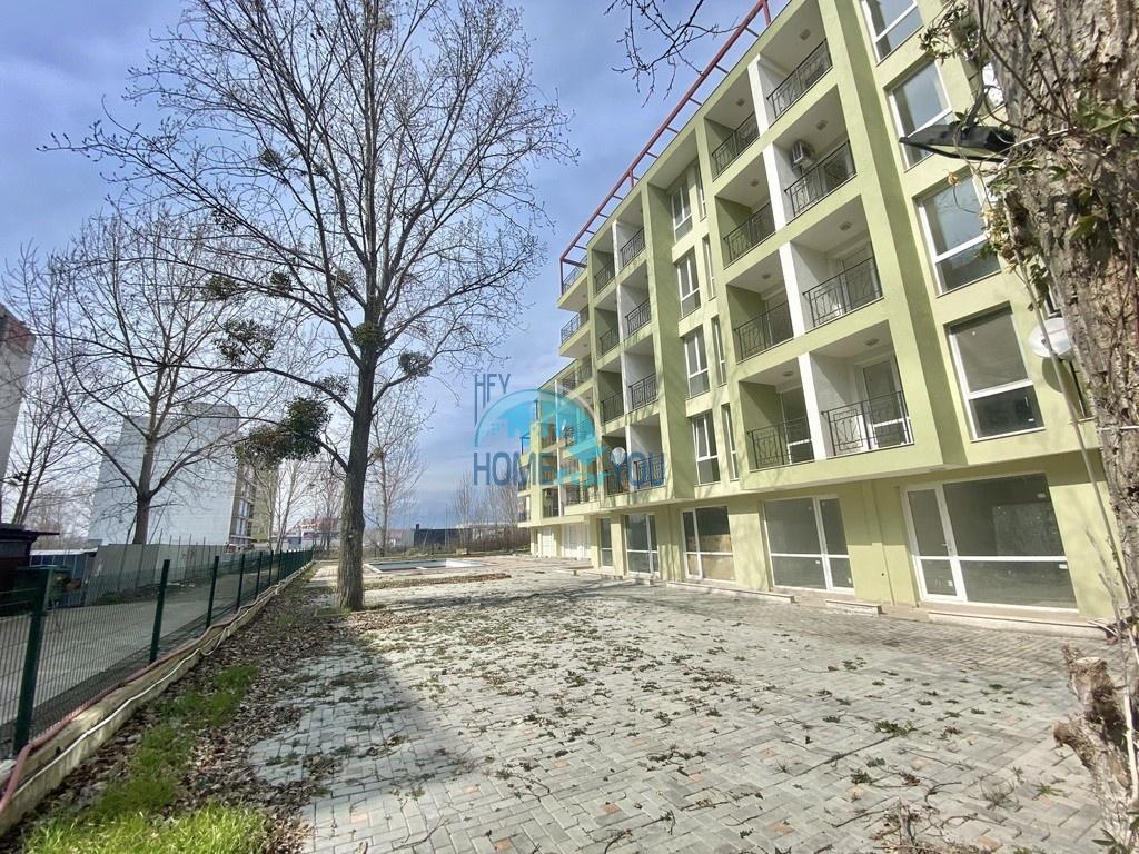 Слънчев бряг, комплекс ,,Тополи''. Два нови двустайни апартамента с мебели