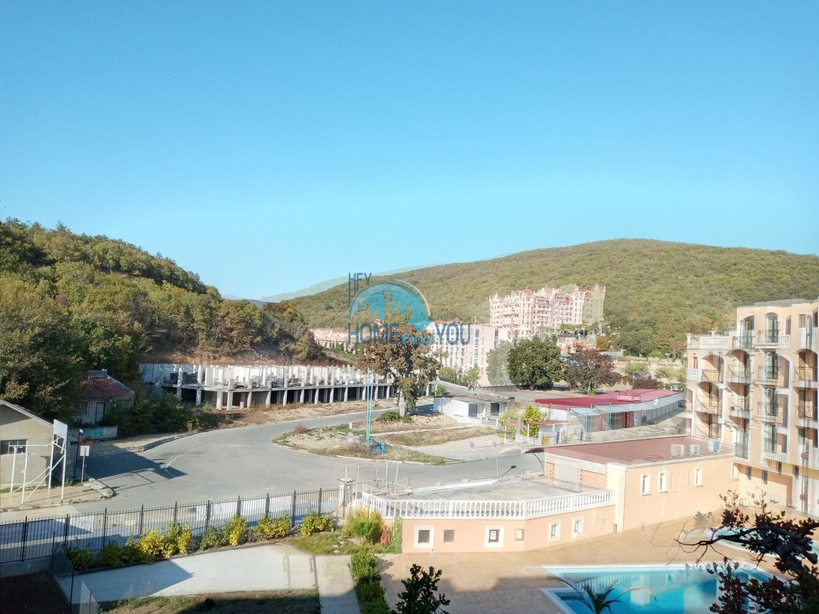 Елените, комплекс ,,Вилла Астория''. Двухкомнатная квартира с прекрасным видом на море и горы