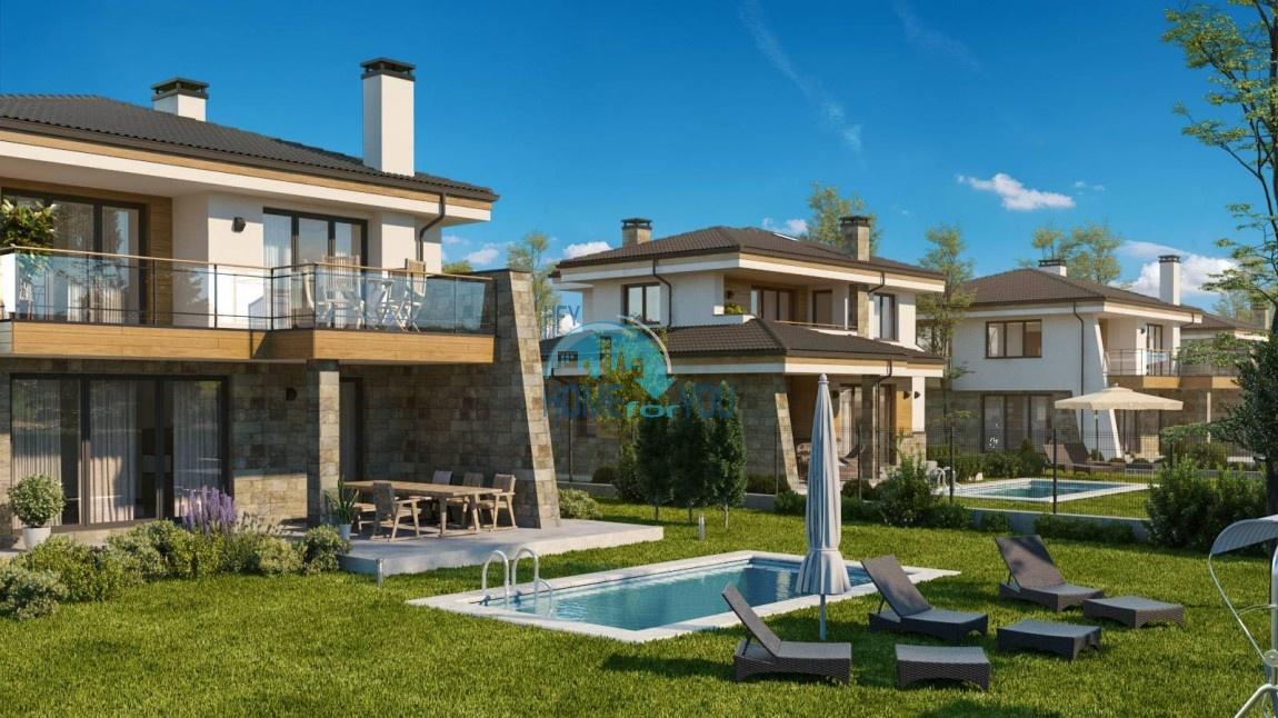 Поморие, двухэтажные роскошные дома со своим участком в прекрасной местности