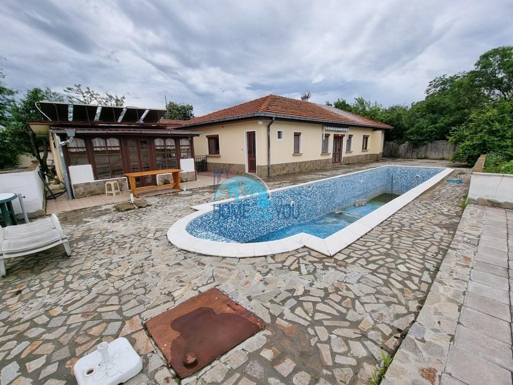 Бургас, добротный частный дом 100 кв.м со всеми удобствами в селе Гюлевца