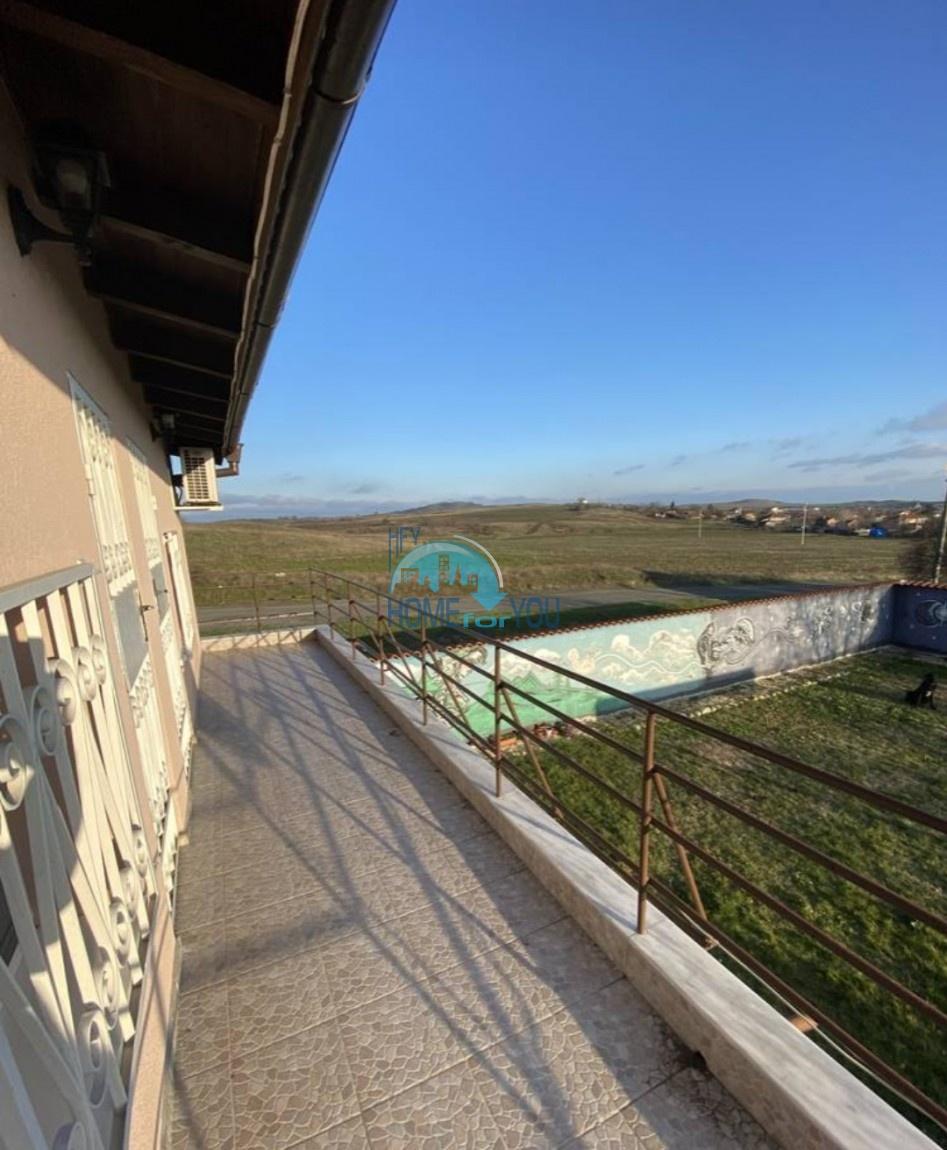 Деревня Брястовец, Бургас. Большой двухэтажный дом после ремонта