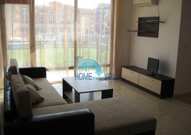 Жилой комплекс предлагает квартиры по доступным ценам с видом на море в Приморско 4