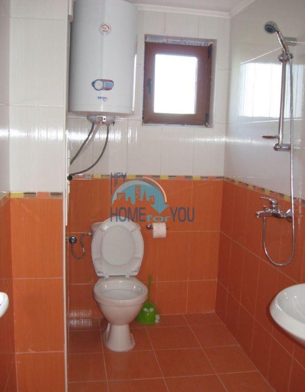 Жилой комплекс предлагает квартиры по доступным ценам с видом на море в Приморско 7