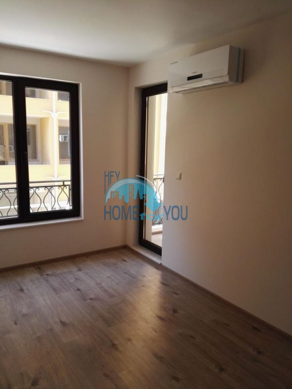Трехкомнатная квартира в новом жилом доме в городе Поморие 9