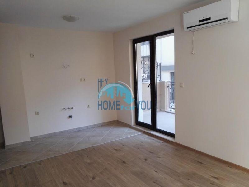 Трехкомнатная квартира в новом жилом доме в городе Поморие 4