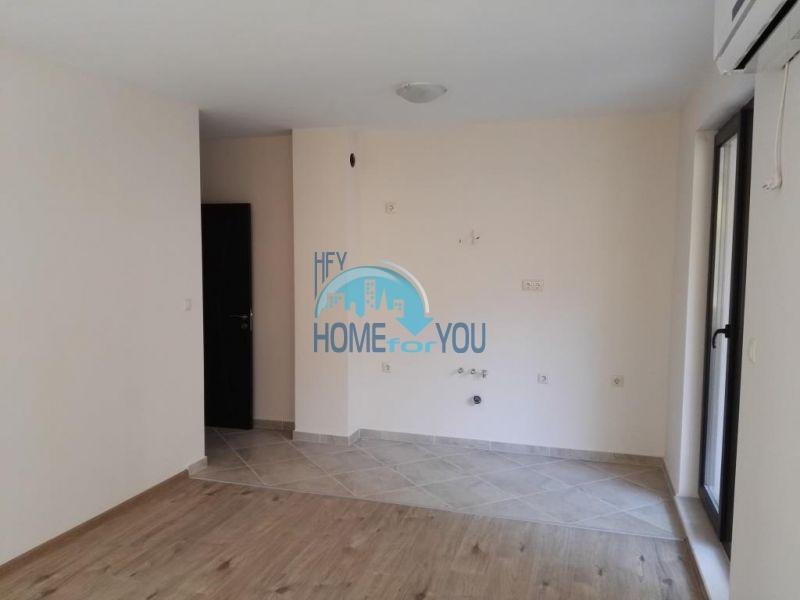 Трехкомнатная квартира в новом жилом доме в городе Поморие 5