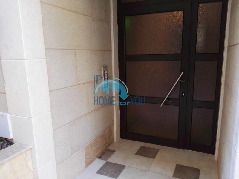 Трехкомнатная квартира в новом жилом доме в городе Поморие 20