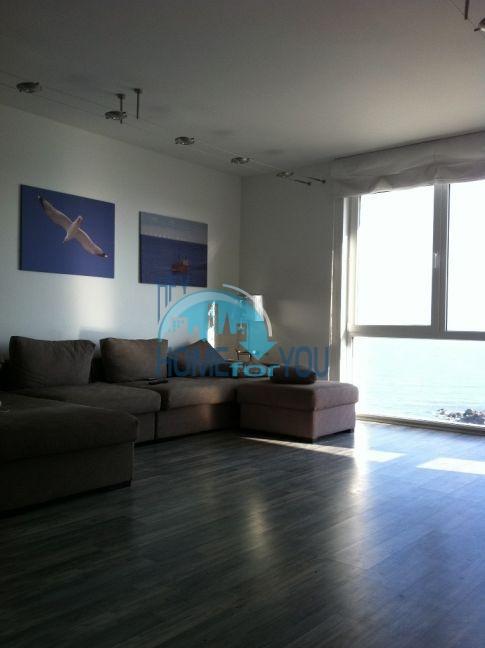 Четырехкомнатная квартира в элитном комплексе в Поморие 4