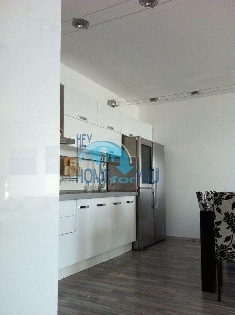 Четырехкомнатная квартира в элитном комплексе в Поморие 7