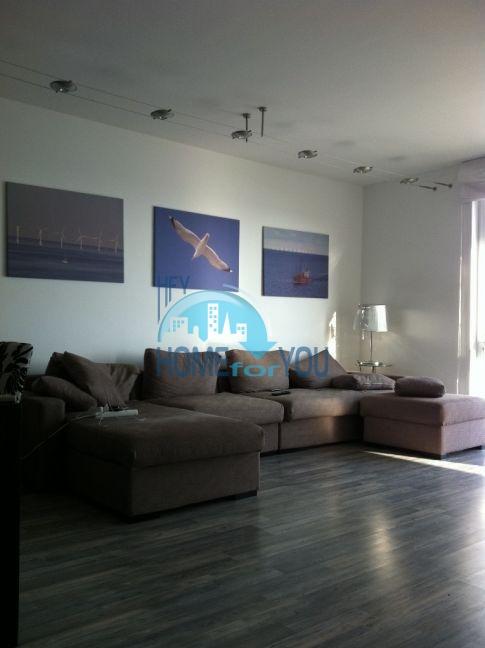 Четырехкомнатная квартира в элитном комплексе в Поморие 5