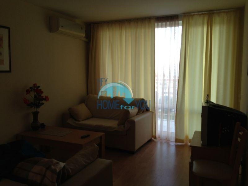 Отличная меблированная двухкомнатная квартира с моркой панорамой 2