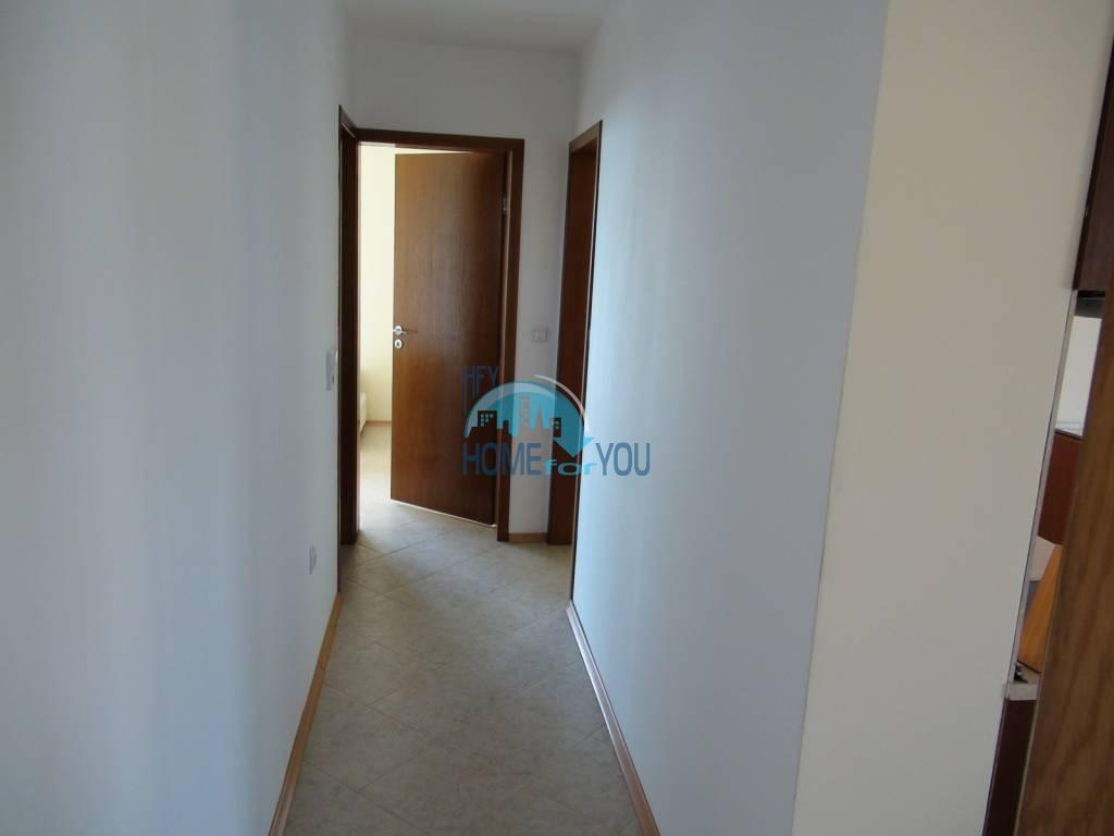 Большая четырехкомнатная квартира на первой линии в Балчике 20