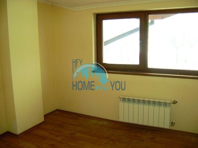 Двухкомнатная квартира недалеко от подъемника в городе Банско 6