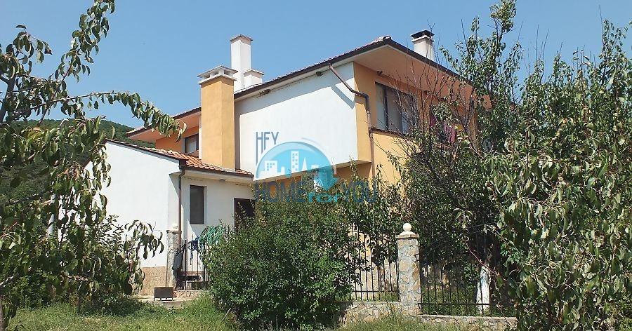 Красивый двухэтажный дом в селе Горица - для ПМЖ