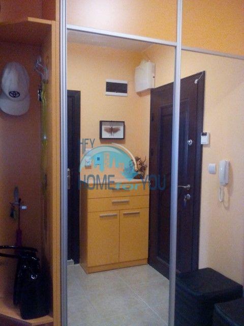 Двухкомнатная квартира в центре Сарафово города Бургас 12