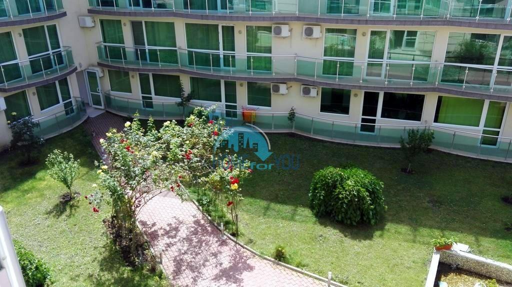 Двухкомнатная меблированная квартира с видом на озелененную территорию в комплексе Clara, квартал Сарафово, город Бургас