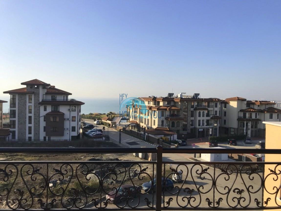 Двухкомнатный апартамент с фронтальным видом на море в городе Бургас, квартал Сарафово