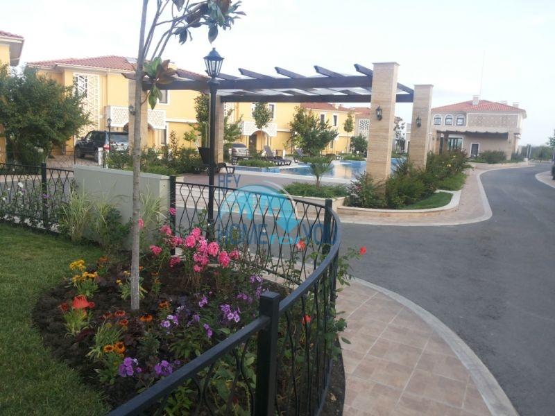 Элитный дом в комплексе Виктория Резиденс для ПМЖ в пригороде Бургаса