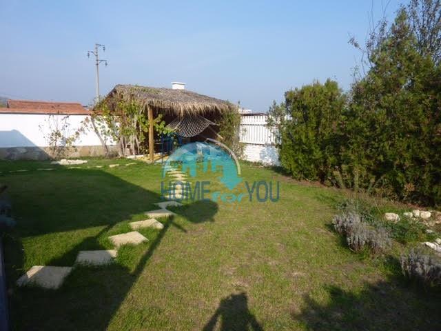 Готовый добротный дом в селе Каменар 3