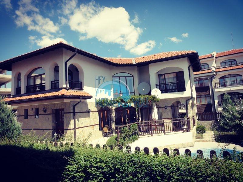 Капитальный дом для ПМЖ с видом на море в 15 минутах от Бургаса