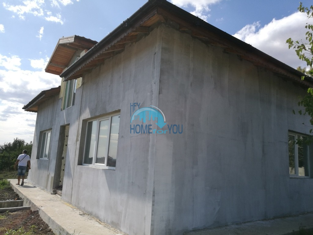 Новый капитальный дом в селе Каменар около Бургаса