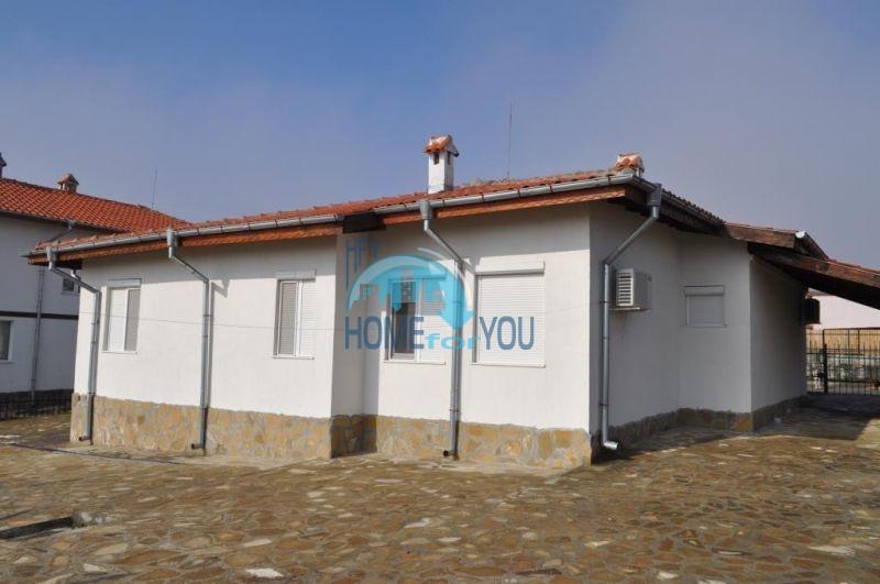 Капитальный новый дом для ПМЖ в селе Маринка 2