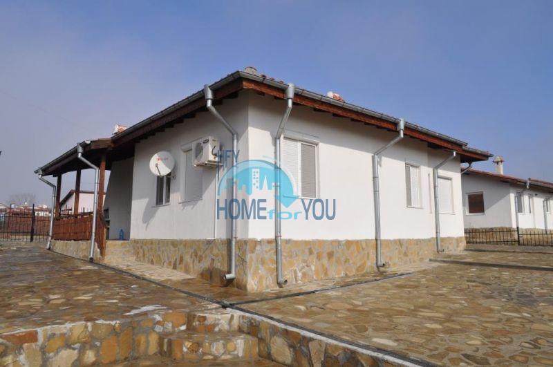Капитальный новый дом для ПМЖ в селе Маринка 3