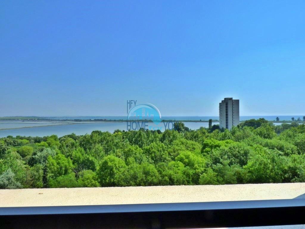 Люкс. Вид на море. Новая двухкомнатная квартира в Бургасе