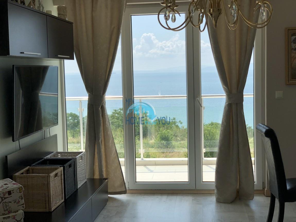 Люксозная, большая квартира с восхитительном виде на море в Бургасе 2