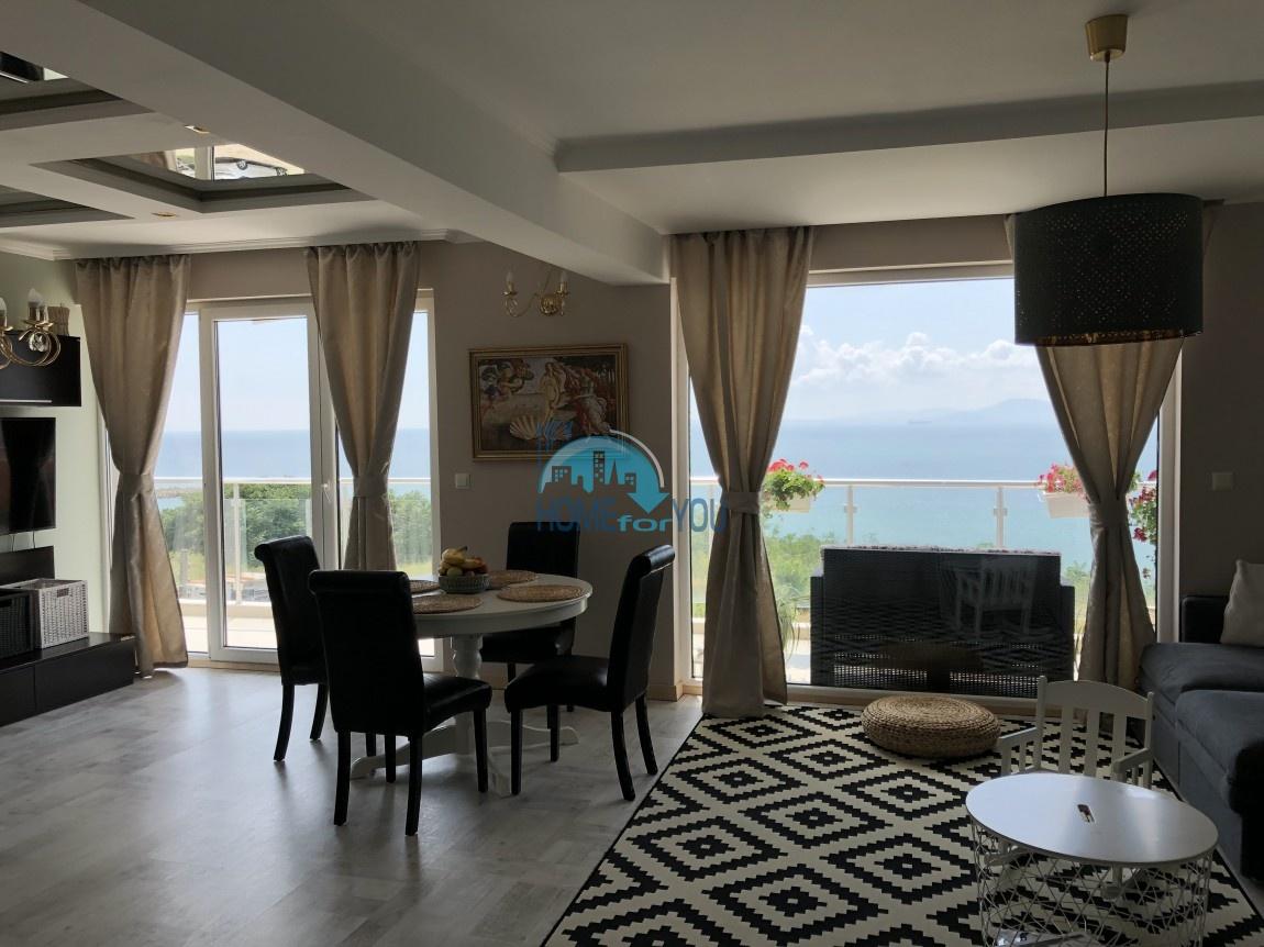 Люксозная, большая квартира с восхитительном виде на море в Бургасе