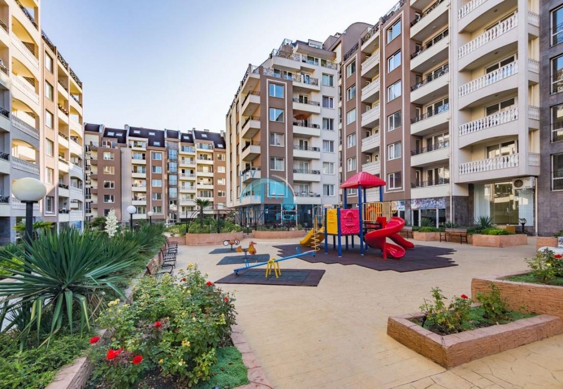 Новая готовая трехкомнатная квартира в Бургасе в комплексе Перла