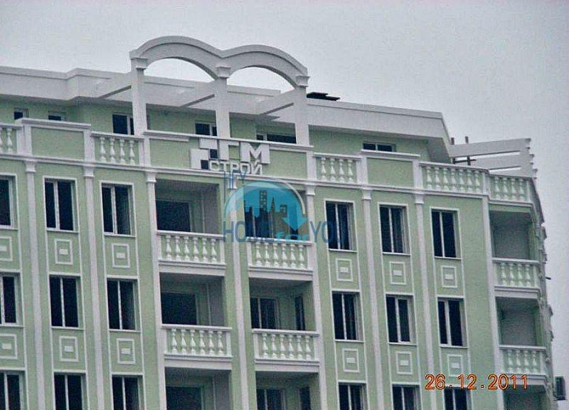 Недорогая двухкомнатная квартира в новом жилом квартале в Бургасе