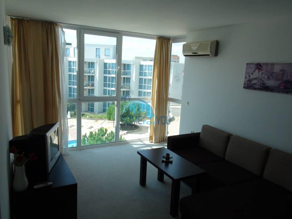 Трехкомнатная вторичная квартира с мебелью - квартал Сарафово 6