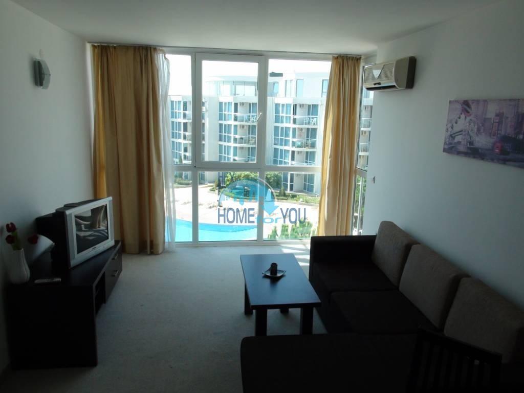 Трехкомнатная вторичная квартира с мебелью - квартал Сарафово 5