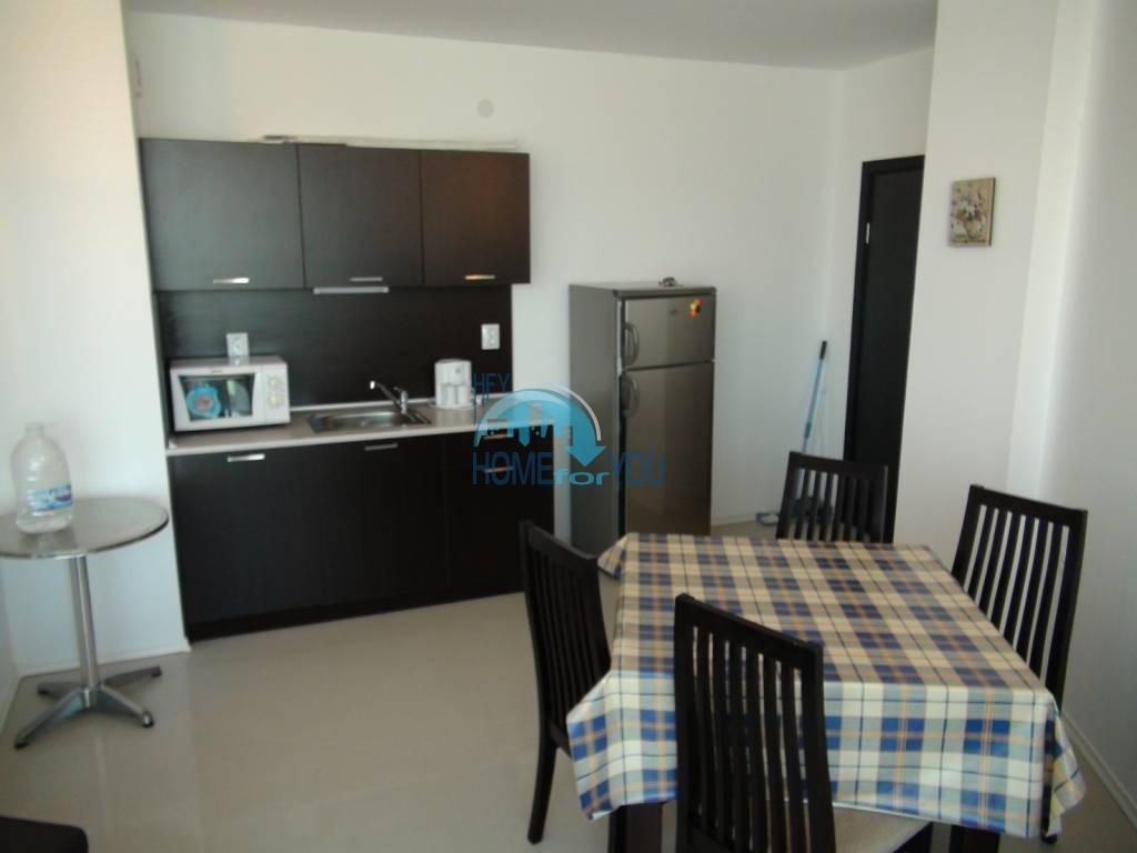 Трехкомнатная вторичная квартира с мебелью - квартал Сарафово 7