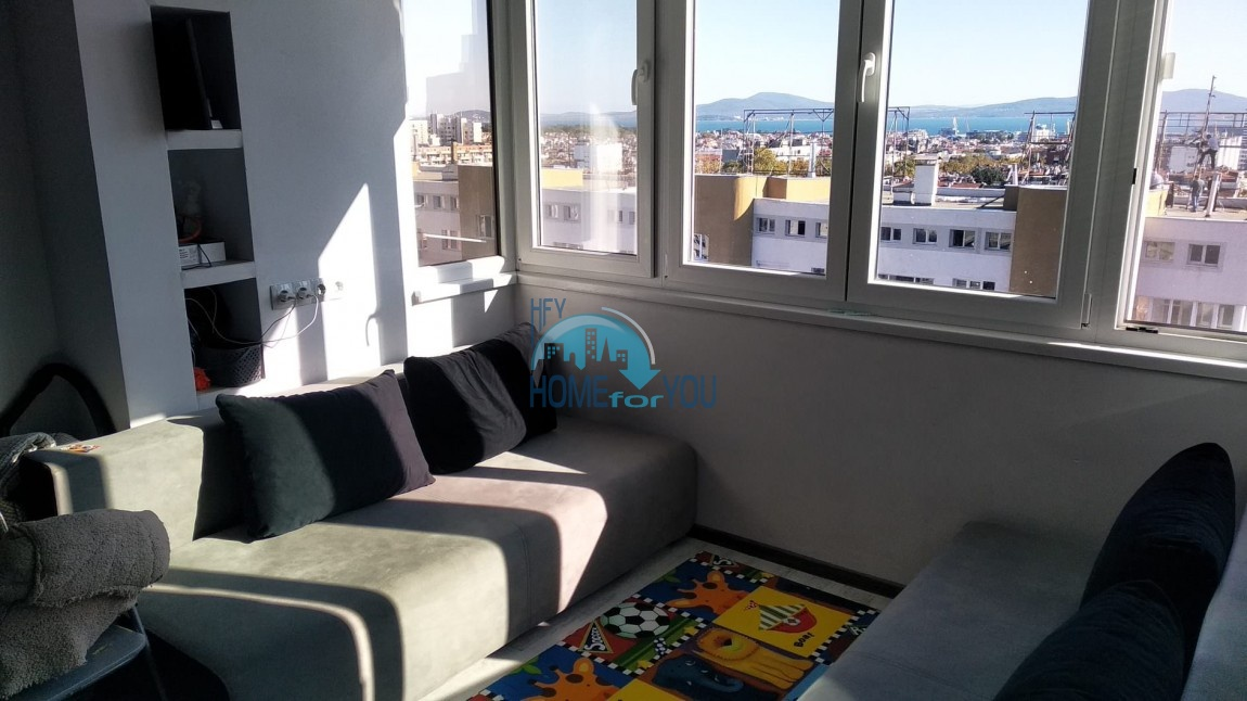 Новая, небольшая двухкомнатная квартира с видом на море в Бургасе