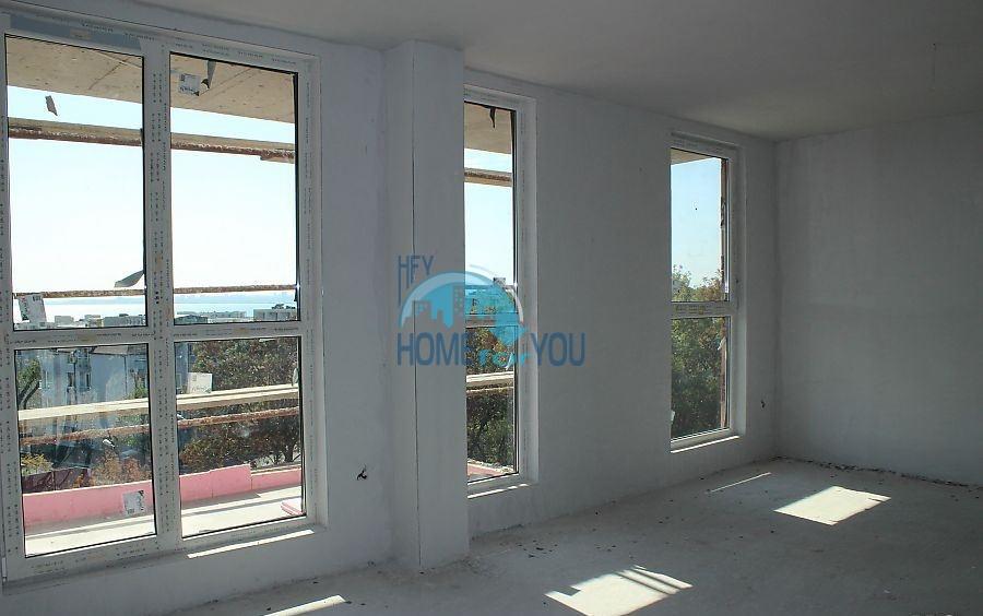 Новая трехкомнатная квартира в Бургасе в квартале Сарафово 4