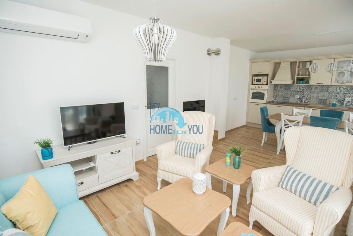 Новый дом с мебелью и бассейном рядом с пляжем в квартале Сарафово 10