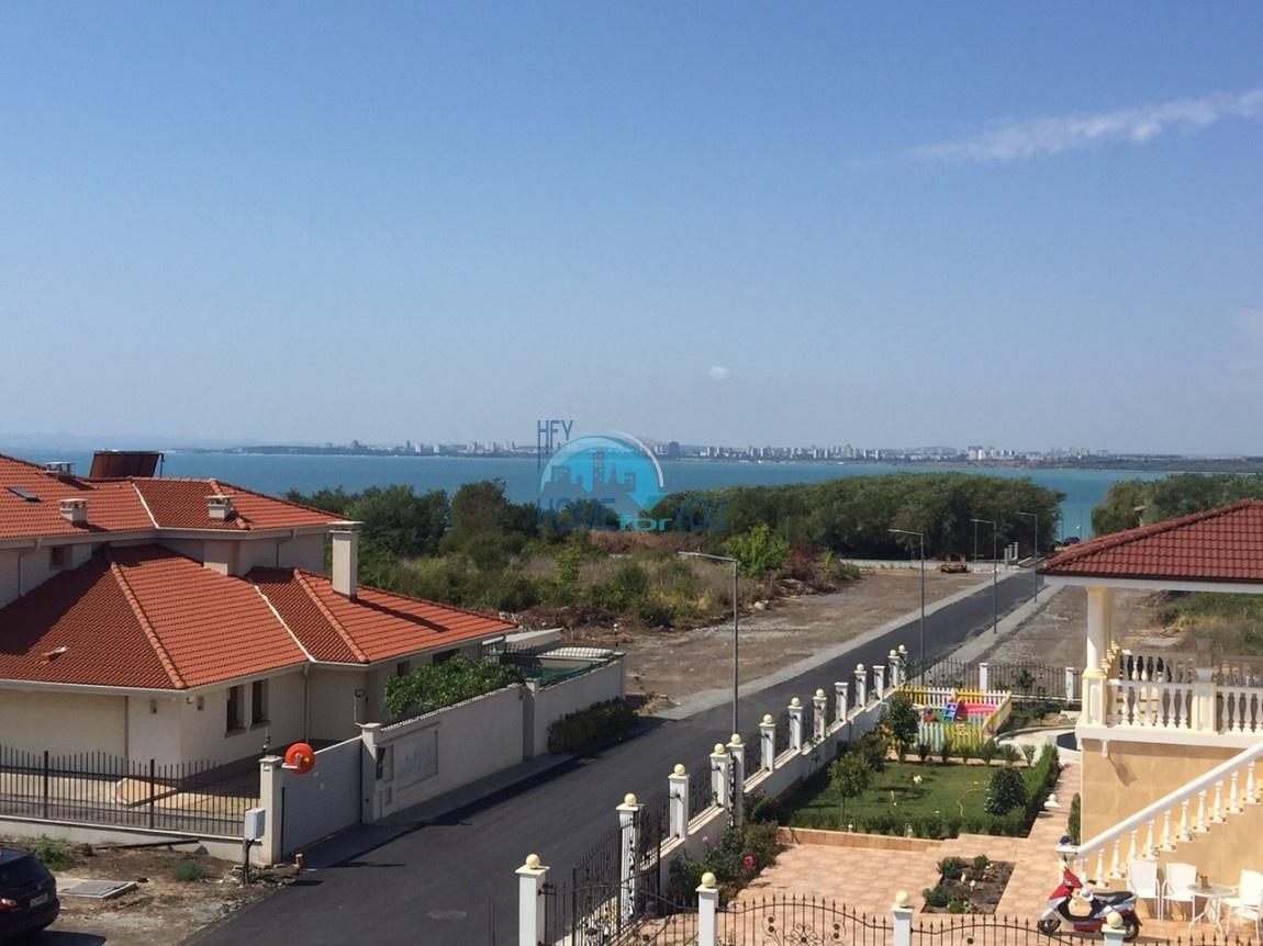 Новый готовый дом с участком рядом с морем в квартале Сарафово - Бургас 4