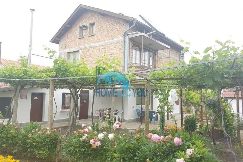 Дом для постоянного проживания в селе Ливада, область Бургас