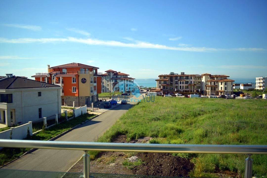 Опрятная двухкомнатная квартира с видом на море в уютном жилом комплексе Clara, квартал Сарафово