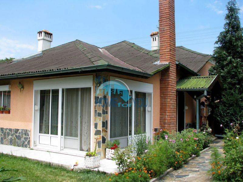 Отличный большой дом в селе Подвис Бургасской области